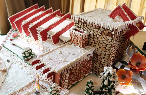 Frank Lloyd Wright Gingerbread house